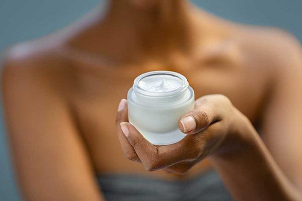 Preparar la piel para el sol: hidratación
